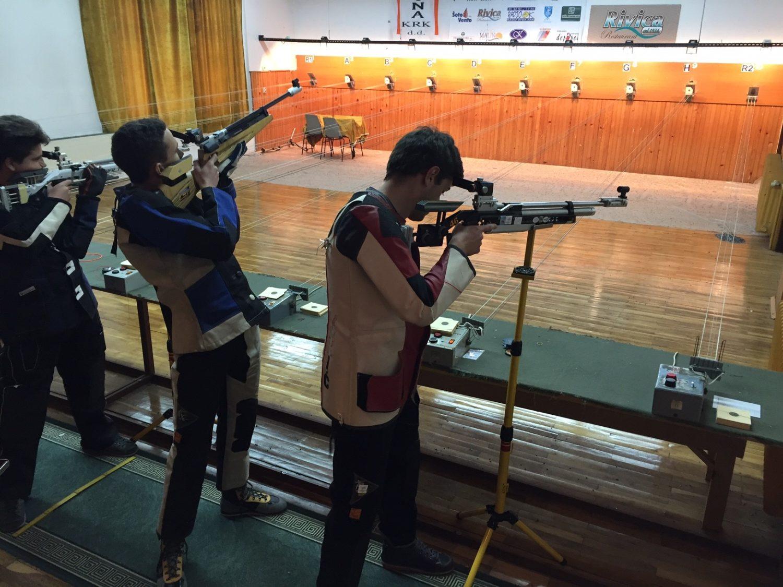 Strijelci streljačkog kluba rovinj na polufinalu kupa malinska