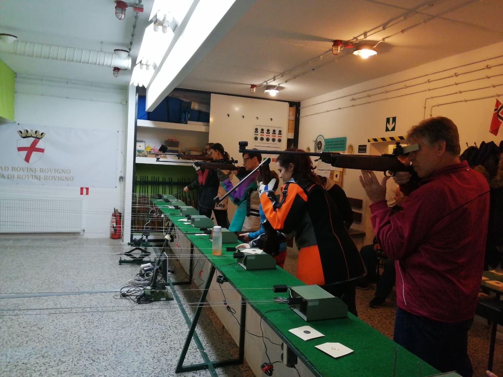 strijelci rovinja na božićnom turniru u streljaštvu 2019 darko matas