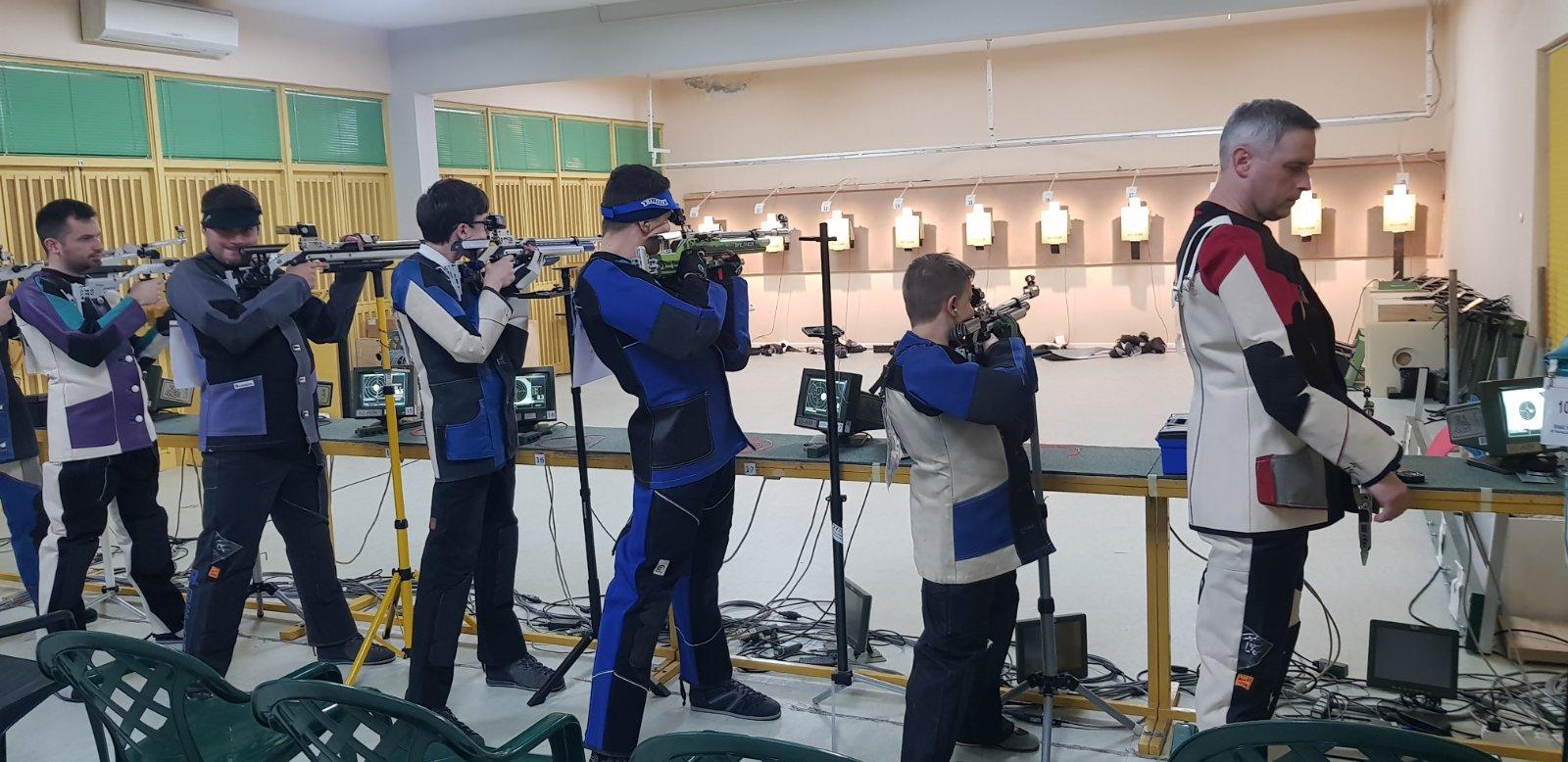 Andrea Marić kadet streljačkog kluba rovinj na natjecanju u Solinu obara osobni rekord u streljaštvu